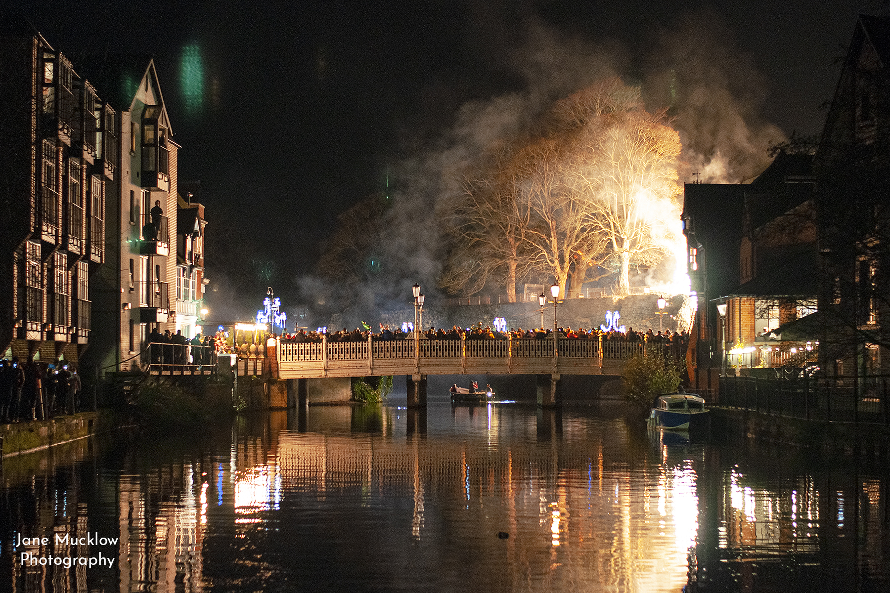 Photo of Tonbridge Big Bridge at the Christmas fireworks, by Jane Mucklow
