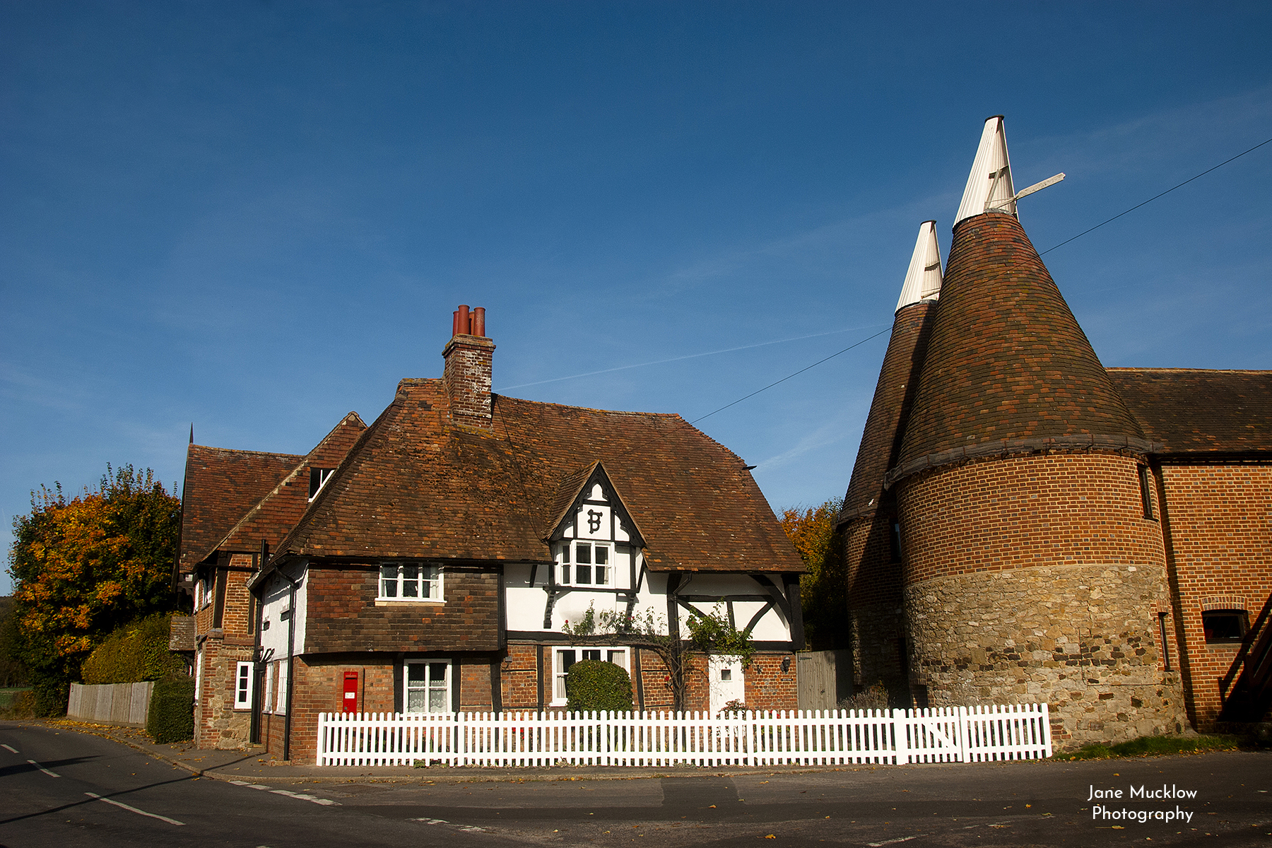 Photo of the oast houses at Heaverham, by Jane Mucklow